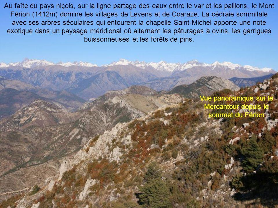 Vue panoramique sur le Mercantour depuis le sommet du Férion