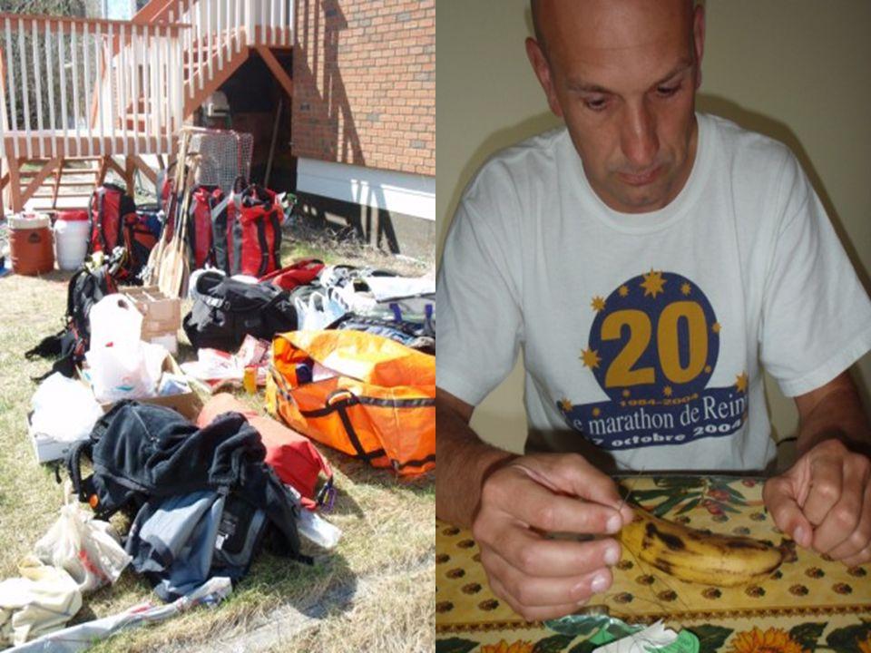 La Préparation 2 canoës, 6 pagaies, 4 bidons, 12 sacs étanches