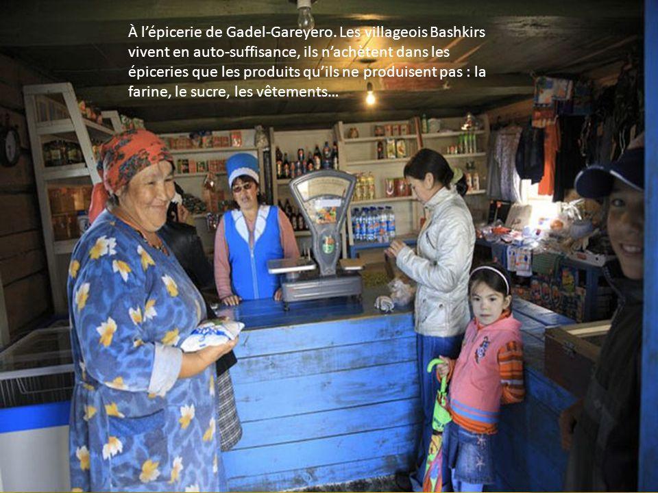 À l'épicerie de Gadel-Gareyero