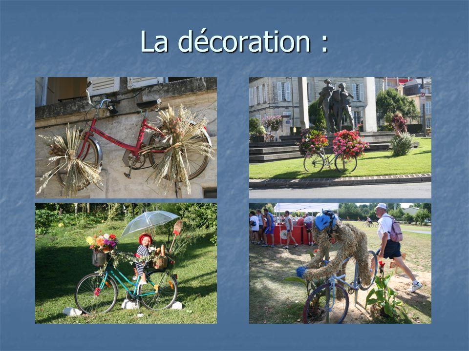 La décoration : Penser à récupérer de vieilles bicyclettes, à distribuer du papier crépon pour la confection de fleurs en papier…