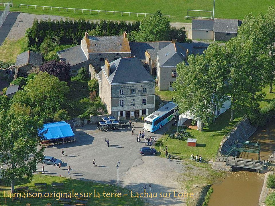 La maison originale sur la terre – Lachau sur Loire