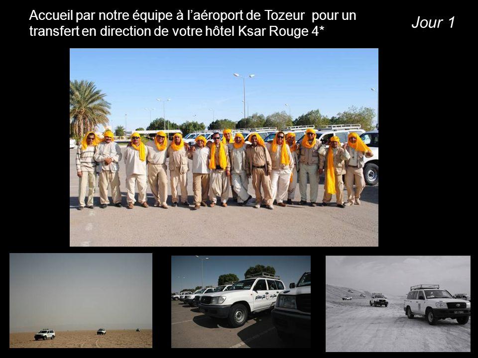 Accueil par notre équipe à l'aéroport de Tozeur pour un transfert en direction de votre hôtel Ksar Rouge 4*