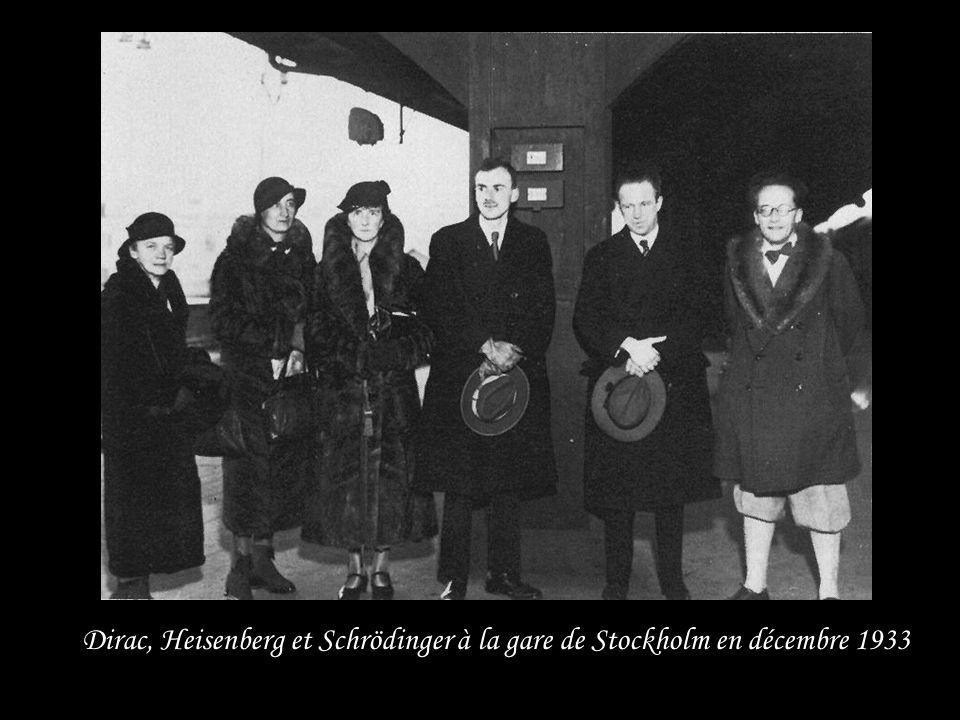 Dirac, Heisenberg et Schrödinger à la gare de Stockholm en décembre 1933
