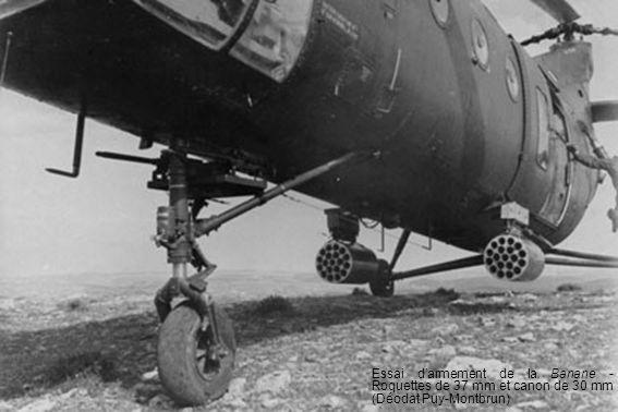 Essai d'armement de la Banane - Roquettes de 37 mm et canon de 30 mm (Déodat Puy-Montbrun)