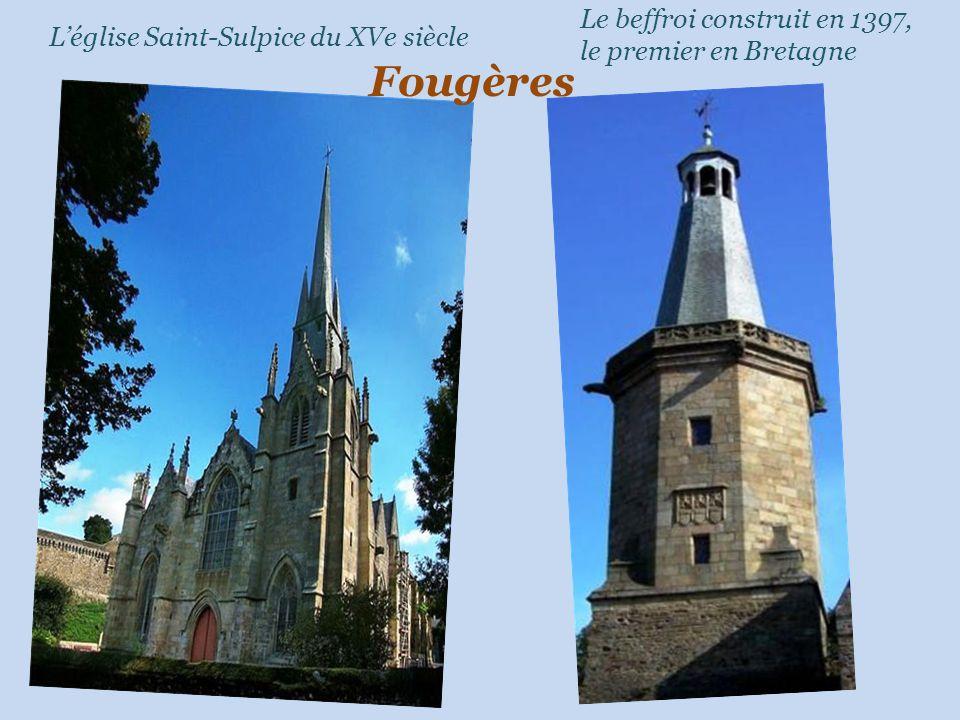 Le beffroi construit en 1397, le premier en Bretagne