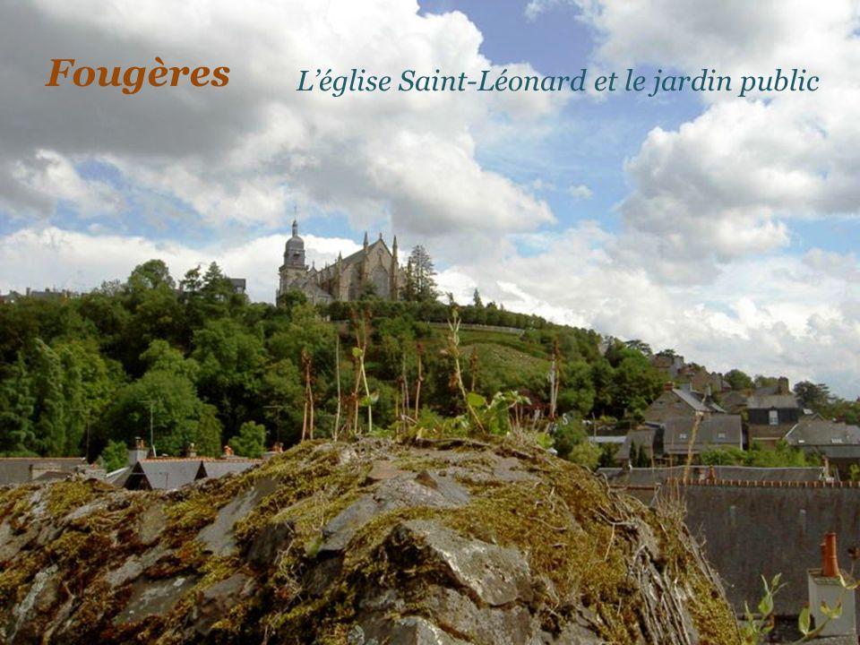 Fougères L'église Saint-Léonard et le jardin public