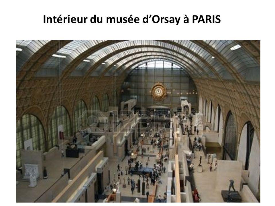 Intérieur du musée d'Orsay à PARIS