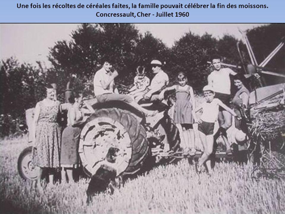 Une fois les récoltes de céréales faites, la famille pouvait célébrer la fin des moissons.