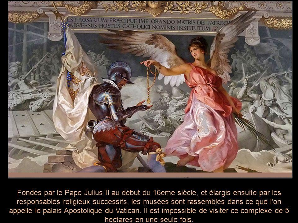 Fondés par le Pape Julius II au début du 16eme siècle, et élargis ensuite par les responsables religieux successifs, les musées sont rassemblés dans ce que l on appelle le palais Apostolique du Vatican.