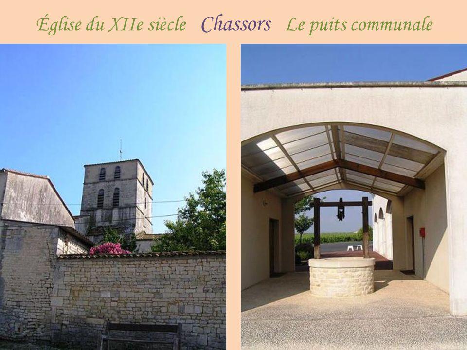 Église du XIIe siècle Chassors Le puits communale