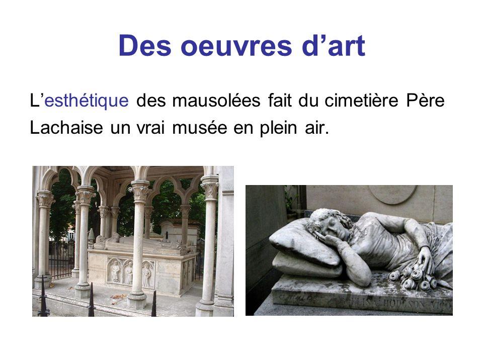 Des oeuvres d'art L'esthétique des mausolées fait du cimetière Père