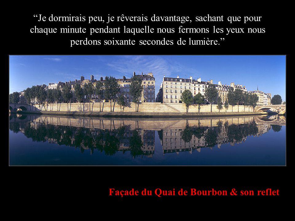 Façade du Quai de Bourbon & son reflet