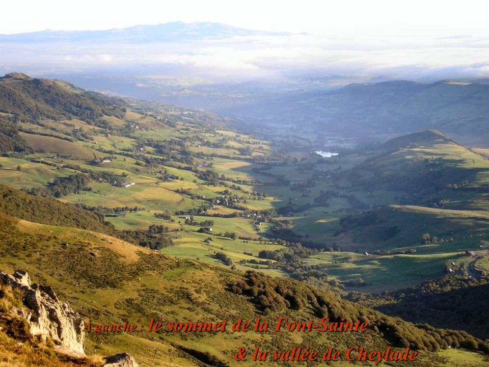 À gauche : le sommet de la Font-Sainte