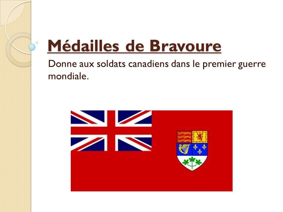 Donne aux soldats canadiens dans le premier guerre mondiale.