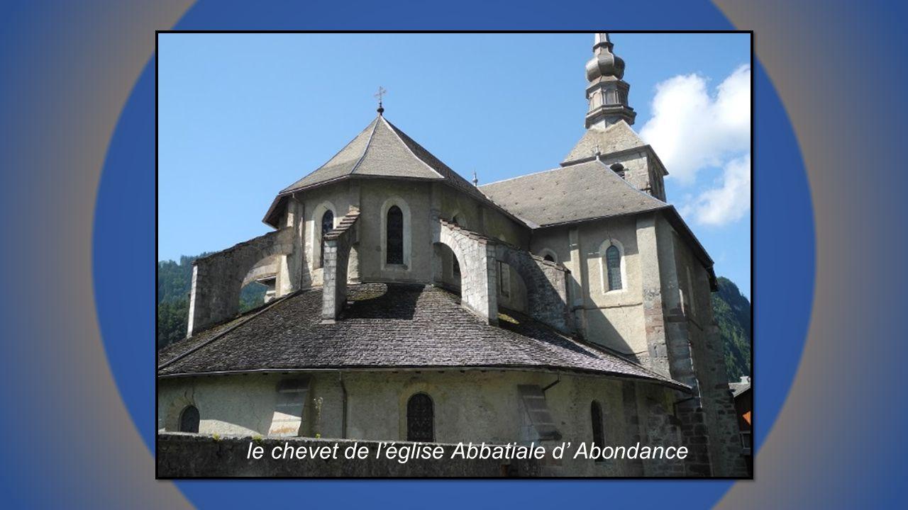 le chevet de l'église Abbatiale d' Abondance