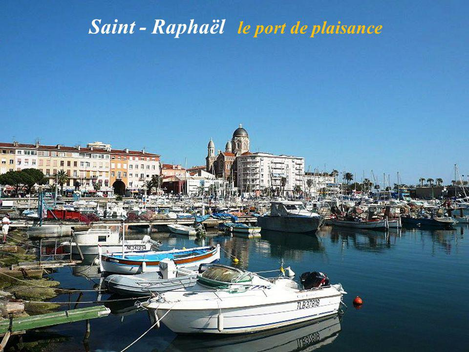 Saint - Raphaël le port de plaisance