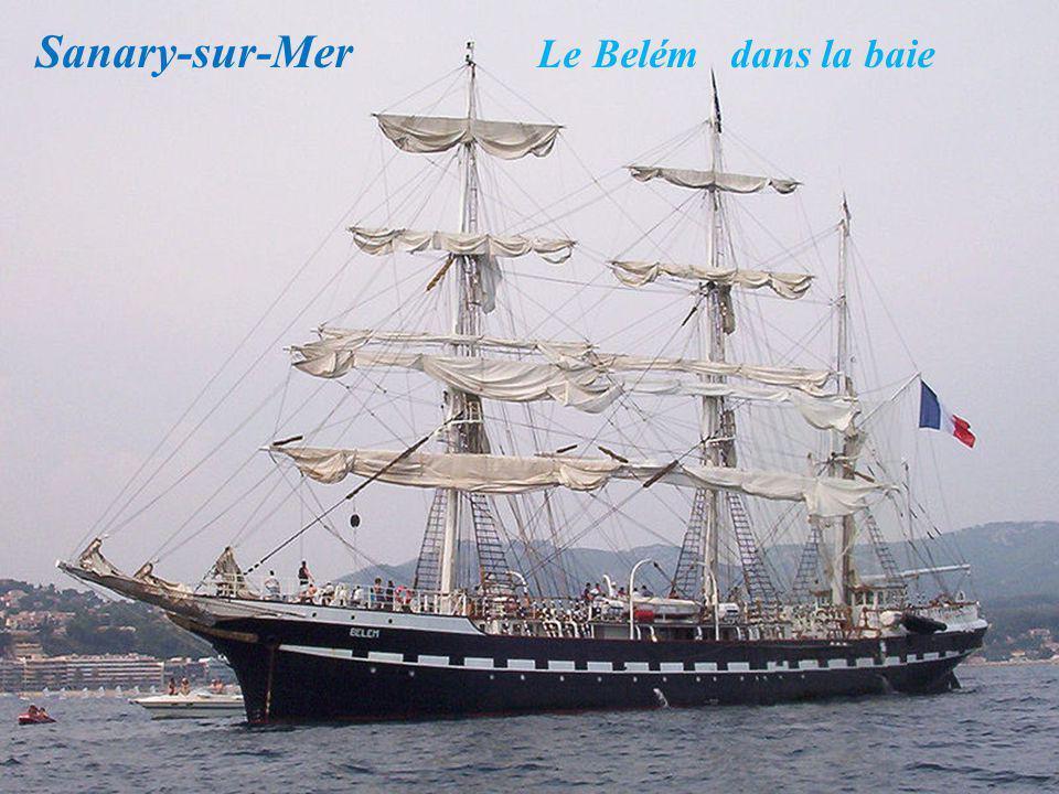 Sanary-sur-Mer Le Belém dans la baie