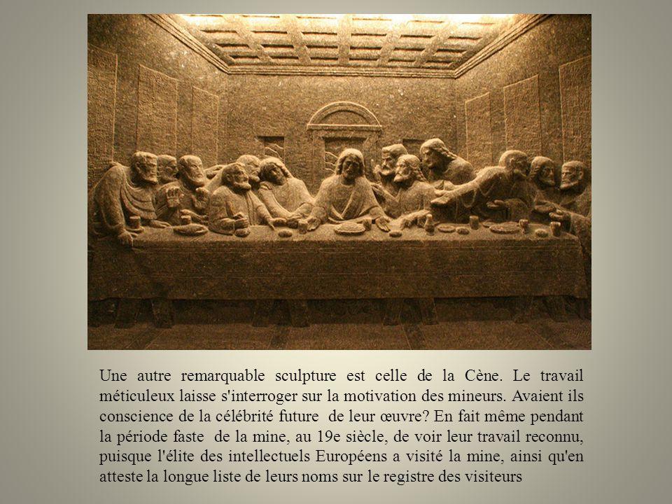 Une autre remarquable sculpture est celle de la Cène