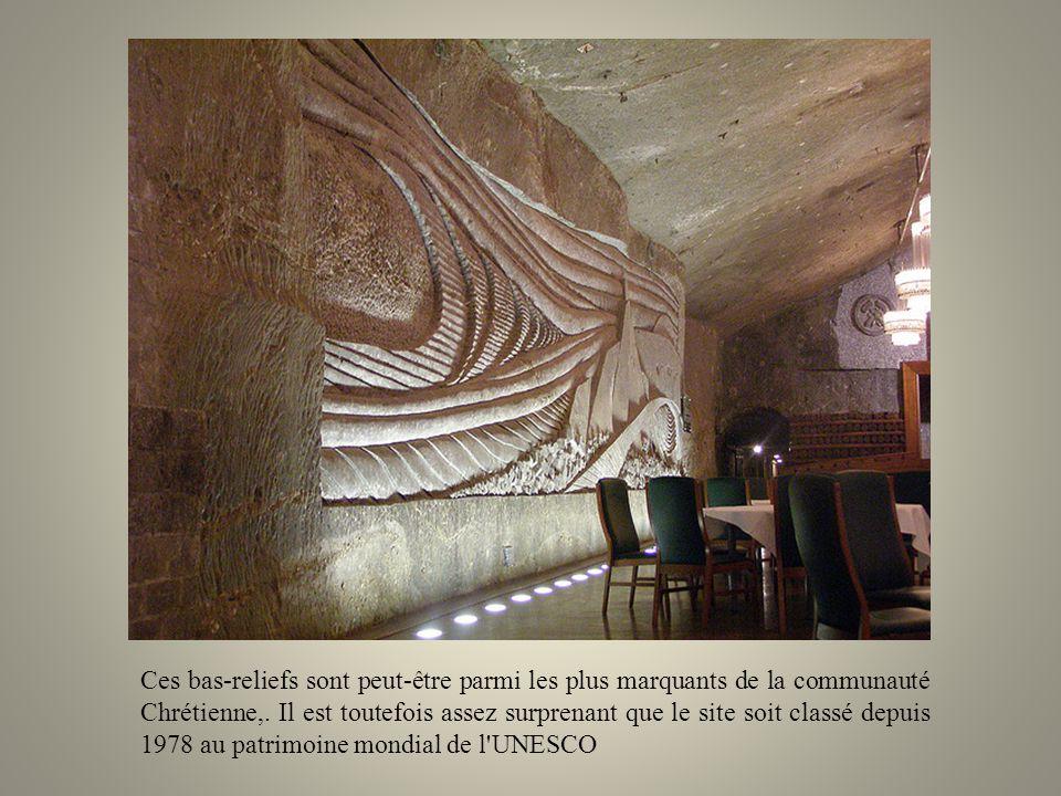 Ces bas-reliefs sont peut-être parmi les plus marquants de la communauté Chrétienne,.