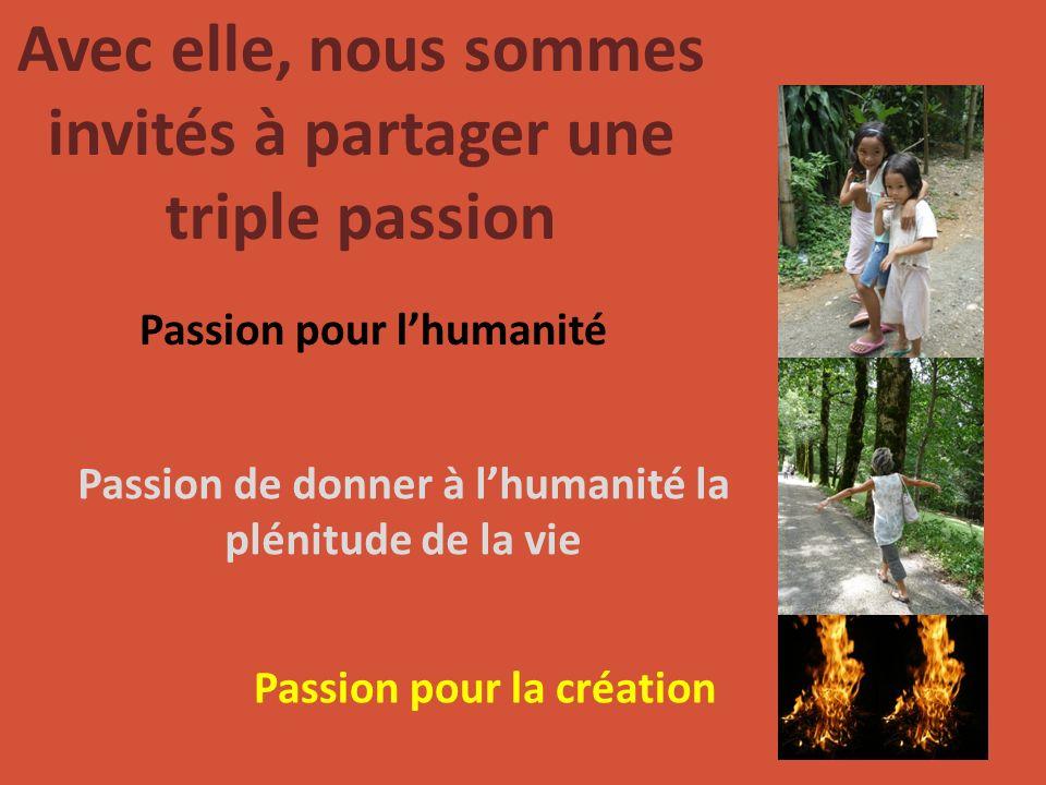 Avec elle, nous sommes invités à partager une triple passion