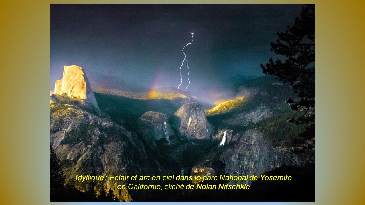 Idyllique : Eclair et arc en ciel dans le parc National de Yosemite