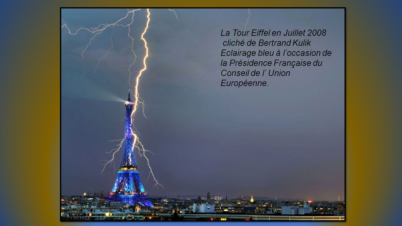 La Tour Eiffel en Juillet 2008