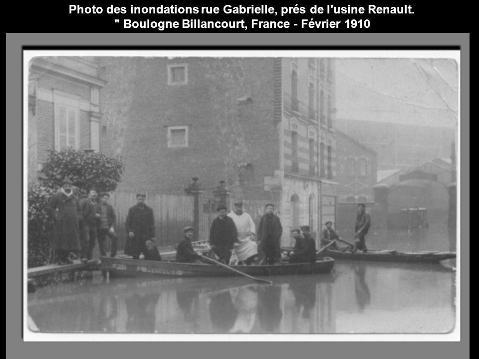 Photo des inondations rue Gabrielle, prés de l usine Renault.