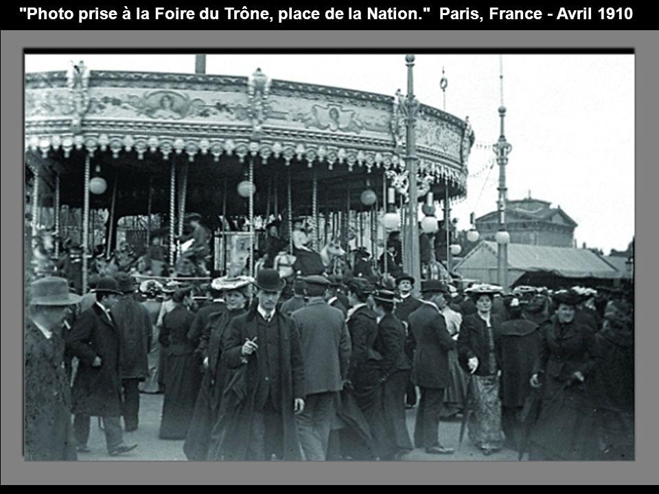 Photo prise à la Foire du Trône, place de la Nation