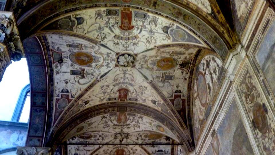 Le plafond à caissons ornés des peintures de Vasan
