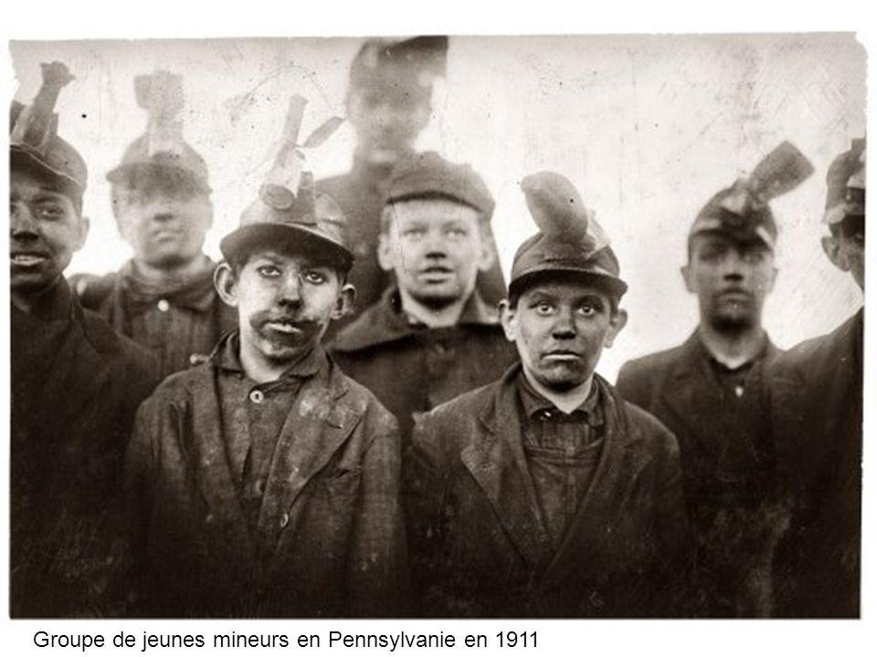 Groupe de jeunes mineurs en Pennsylvanie en 1911
