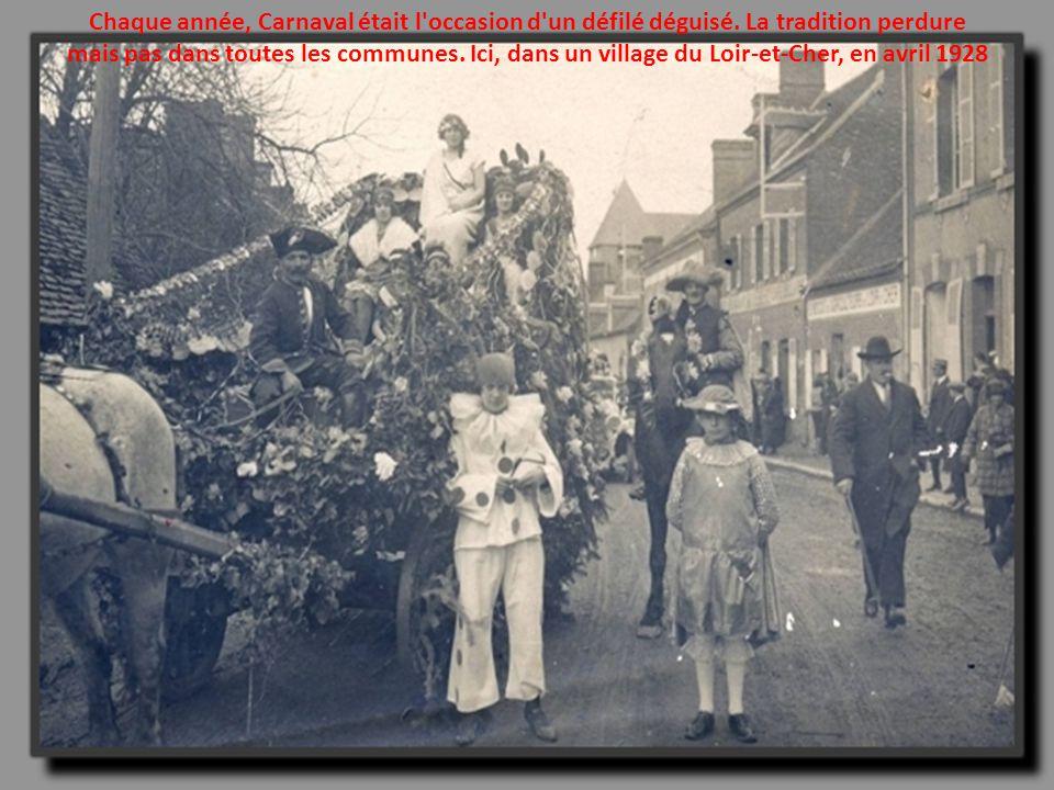 Chaque année, Carnaval était l occasion d un défilé déguisé