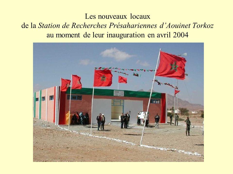 Les nouveaux locaux de la Station de Recherches Présahariennes d'Aouinet Torkoz au moment de leur inauguration en avril 2004