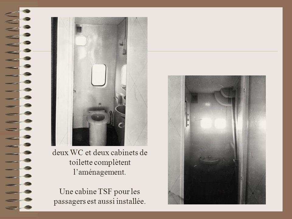 deux WC et deux cabinets de toilette complètent l'aménagement