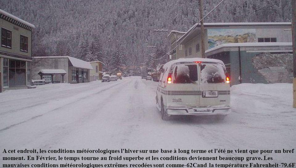 A cet endroit, les conditions météorologiques l hiver sur une base à long terme et l été ne vient que pour un bref moment.
