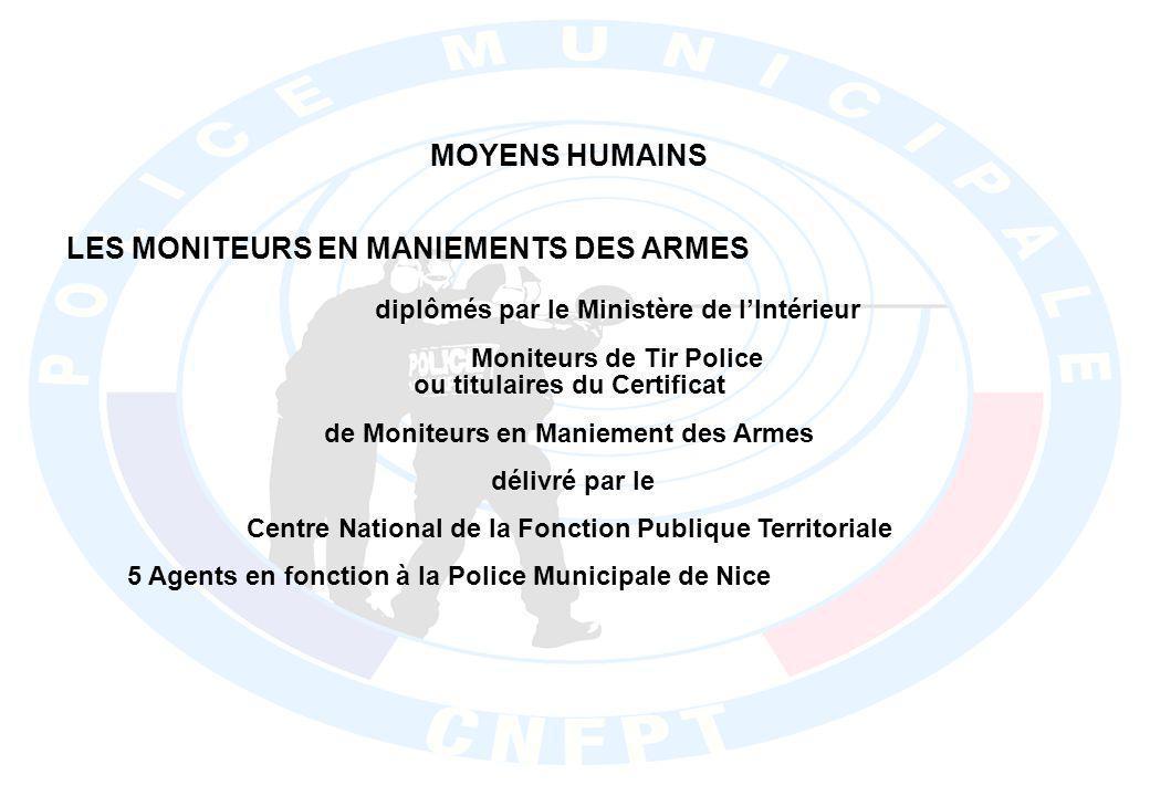 LES MONITEURS EN MANIEMENTS DES ARMES