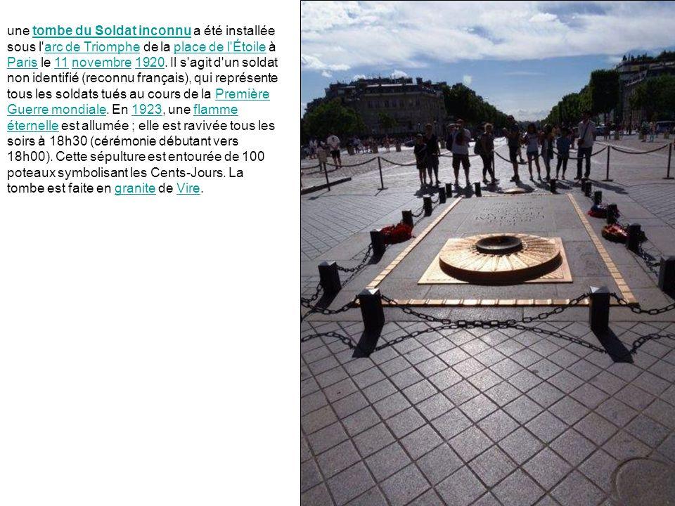 une tombe du Soldat inconnu a été installée sous l arc de Triomphe de la place de l Étoile à Paris le 11 novembre 1920.