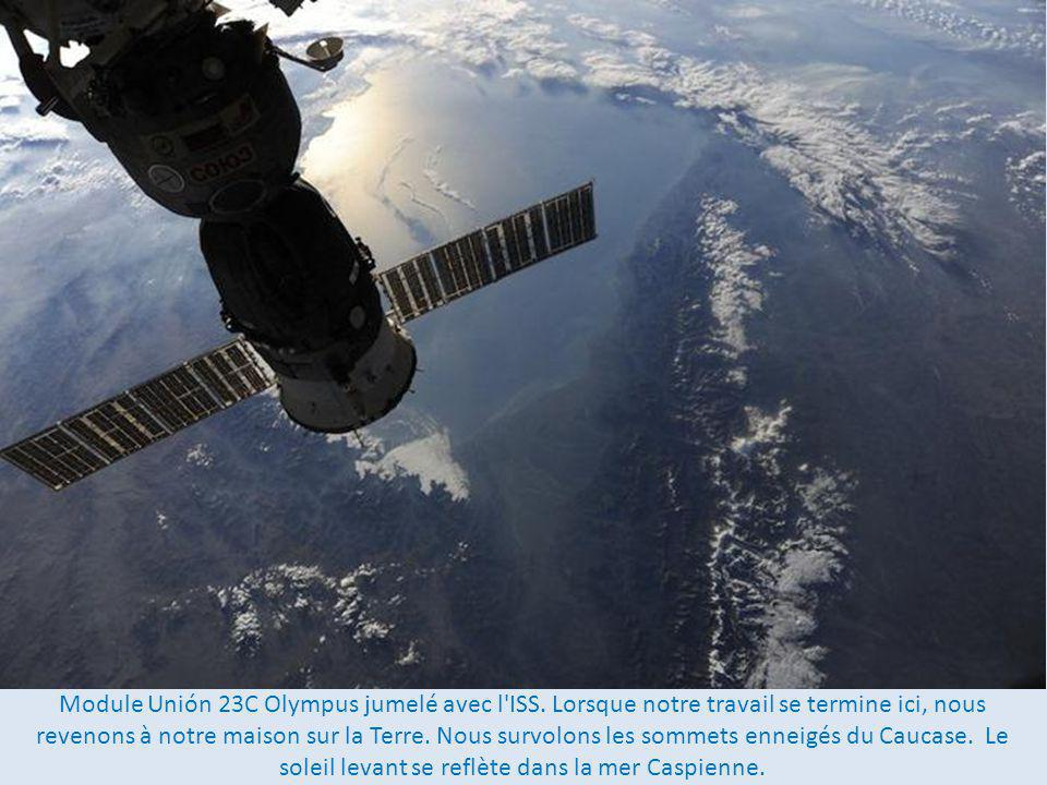 Module Unión 23C Olympus jumelé avec l ISS