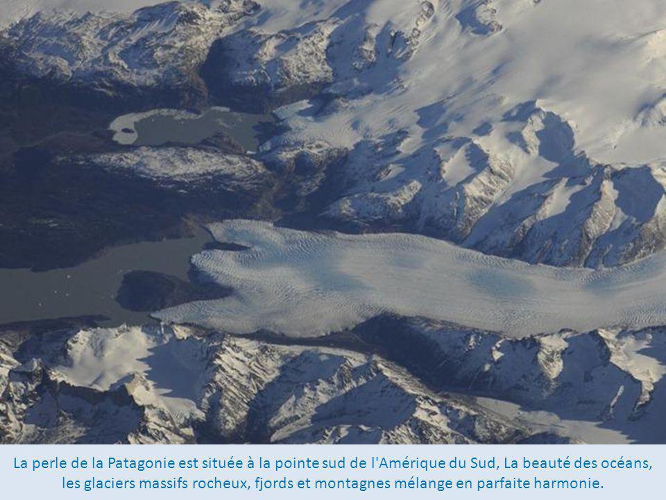 La perle de la Patagonie est située à la pointe sud de l Amérique du Sud, La beauté des océans, les glaciers massifs rocheux, fjords et montagnes mélange en parfaite harmonie.