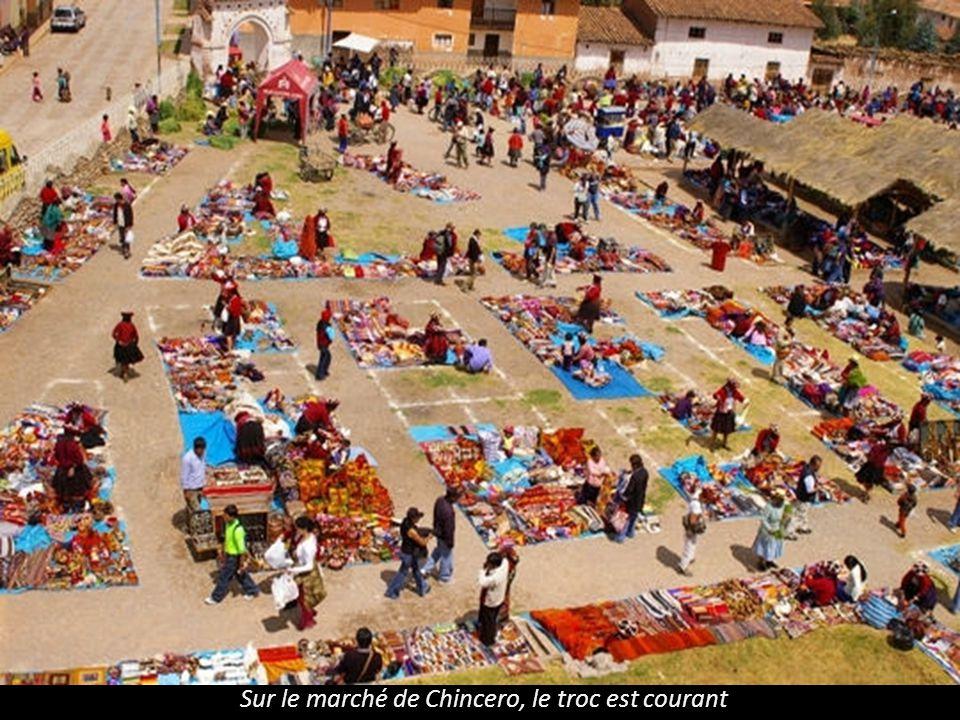 Sur le marché de Chincero, le troc est courant