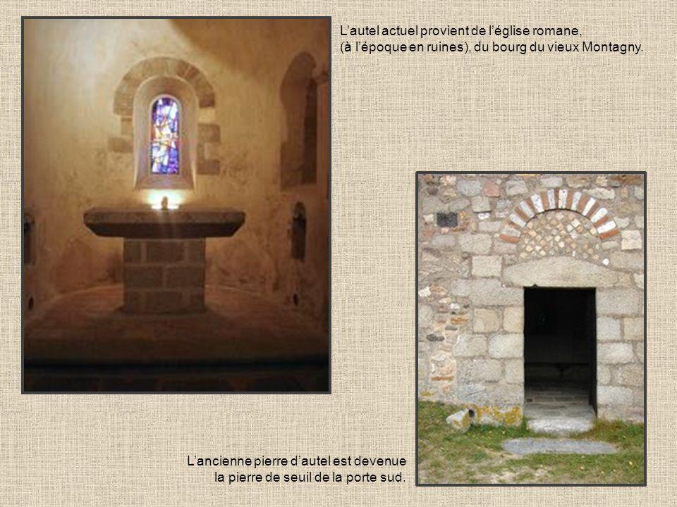 L'autel actuel provient de l'église romane,
