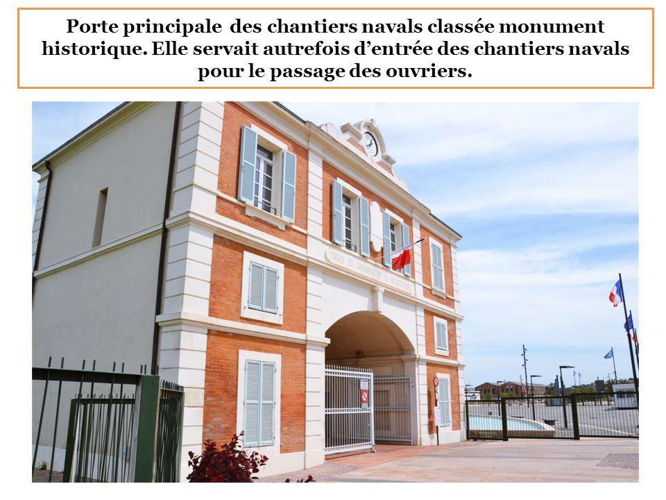 Porte principale des chantiers navals classée monument historique