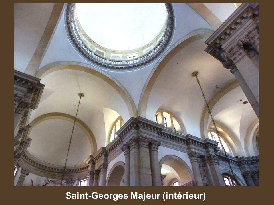 Saint-Georges Majeur (intérieur)