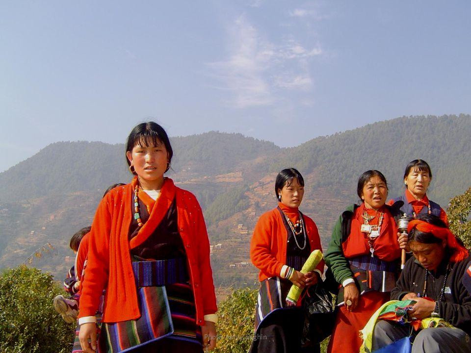 Pélerins Bouddhistes tibétains à Pharphing le 14 janvier 2009 .
