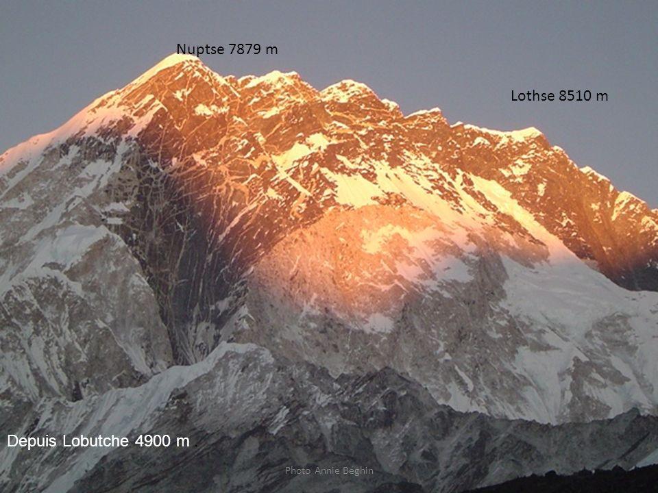 Nuptse 7879 m Lothse 8510 m Depuis Lobutche 4900 m .