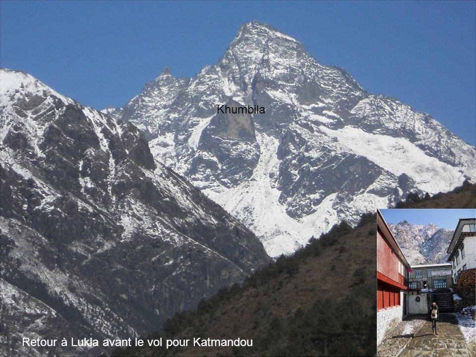 Khumbila Retour à Lukla avant le vol pour Katmandou
