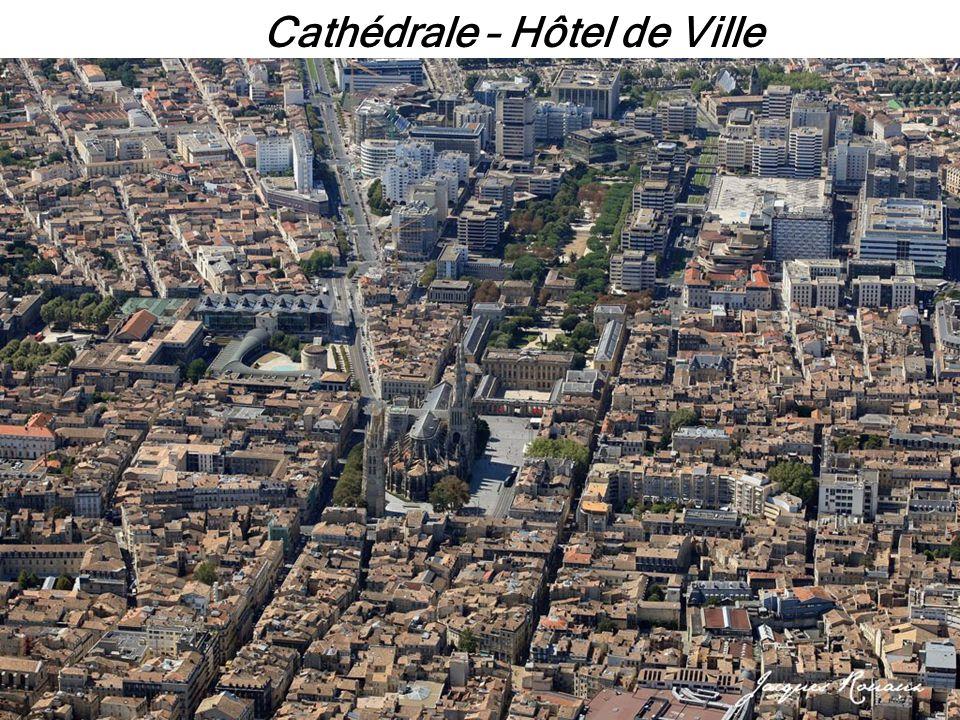 Cathédrale – Hôtel de Ville
