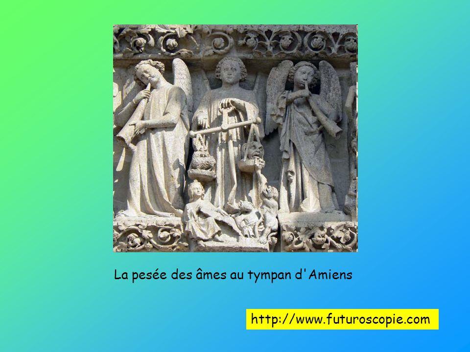 La pesée des âmes au tympan d Amiens