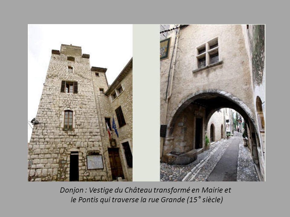 Donjon : Vestige du Château transformé en Mairie et
