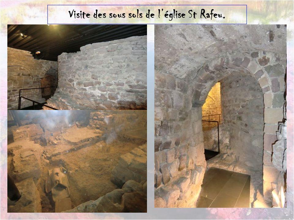 Visite des sous sols de l'église St Rafeu.