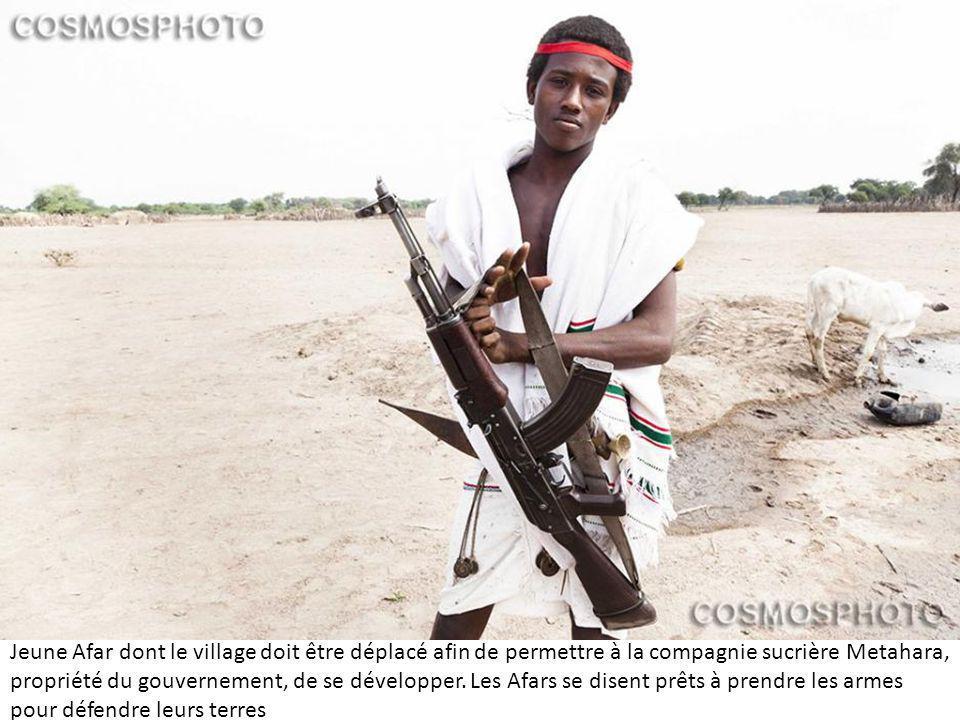 Jeune Afar dont le village doit être déplacé afin de permettre à la compagnie sucrière Metahara, propriété du gouvernement, de se développer.
